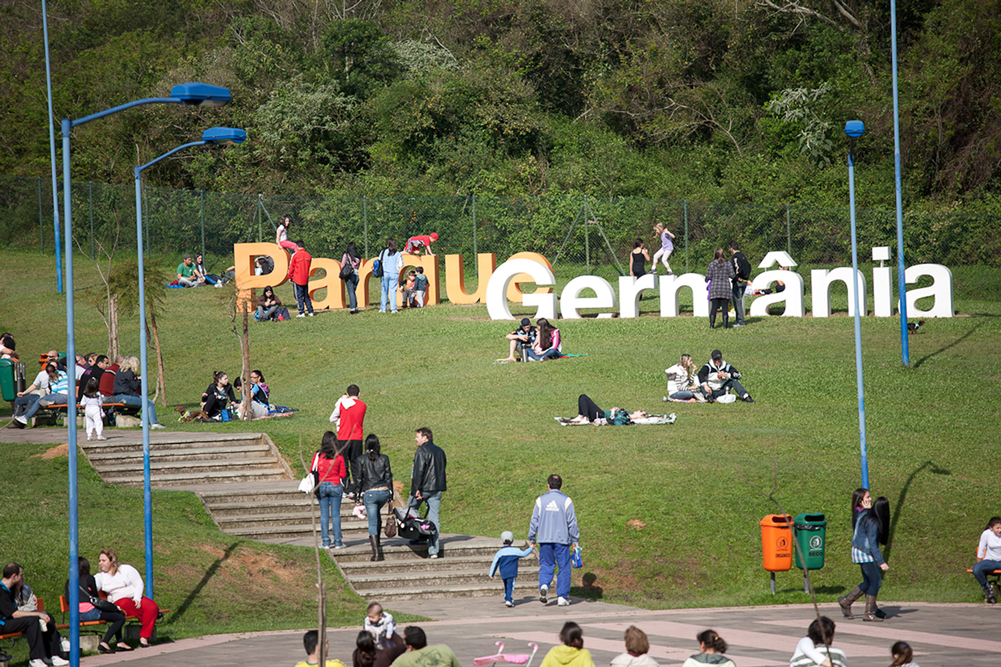 F natalensis in addition Image Gateway Canyons Resort 201309 181 web furthermore Parque Germania Cyrela Goldsztein also C 4 furthermore Intro. on environmental design