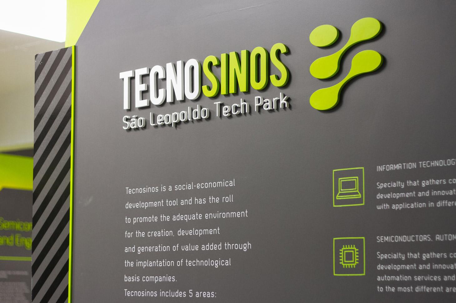 SHOWROOM TECNOSINOS | SCENO Environmental Graphic Design